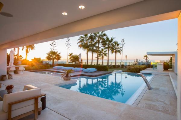 6 Bedroom Beach Front Villa in Marbella's Golden Mile