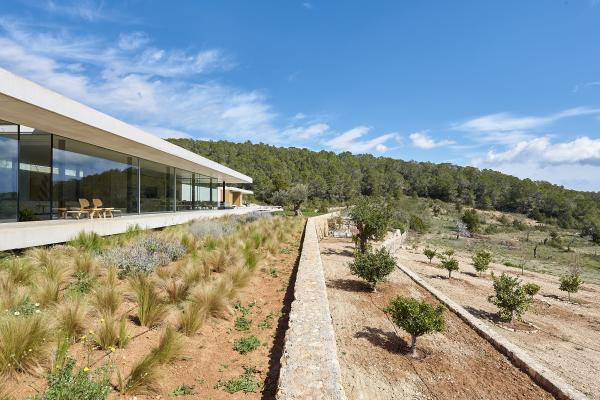 Unique villa newly built with luxurious design